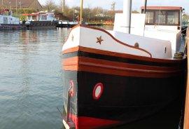 Gut erhaltenes Stahlschiff,Hausboot,Binnenschiff, € 37.000,00
